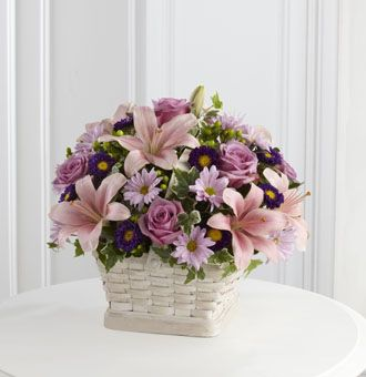 Flowers for usa - Loving Sympathy Basket flowers