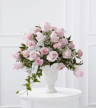 Flowers for usa - Deepest Sympathy Arrangement flowers