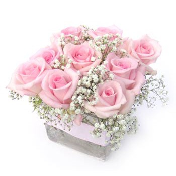 Dubai online Florist - Hugs and Kisses Bouquet