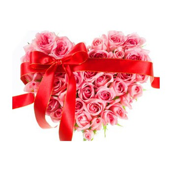 Fuengirola online Florist - Richly Loved Bouquet