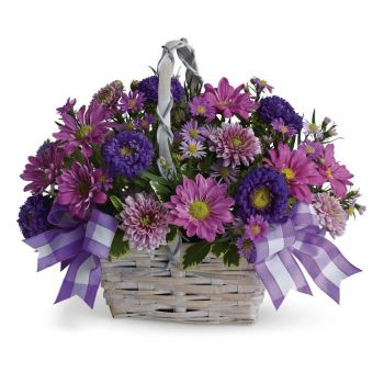 Athens online Florist - A basket of beauty Bouquet