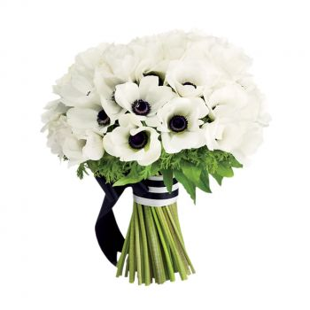 St. Thomas online Florist - Black and White Romance Bouquet