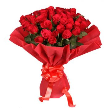 Nerja flowers  -  Ruby Red Flower Bouquet/Arrangement