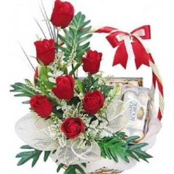 Dubai flowers  -  Sweet basket Flower Delivery