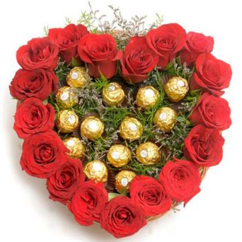 Doha flowers  -  Sweet Roses Heart Flower Delivery