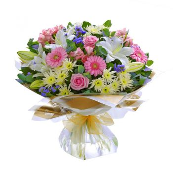 Prague online Florist - Pleasure Garden Bouquet