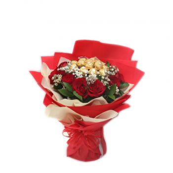 Novo Mesto flowers  -  Love Bouquet Flower Delivery