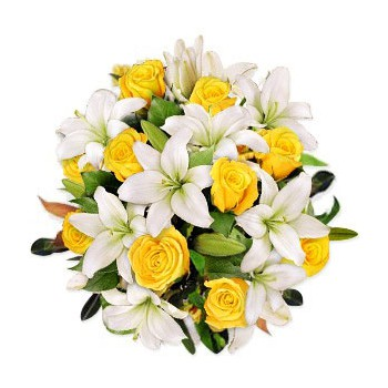 Doha flowers  -  Love Kiss Flower Delivery